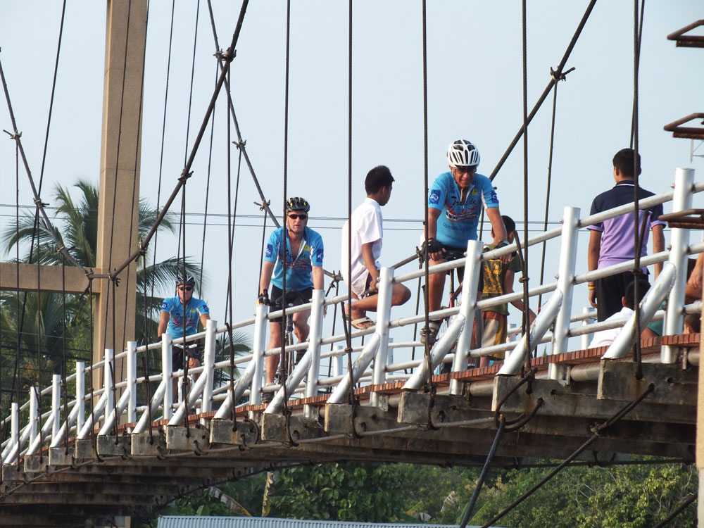 Suspension-Bridge-in-Amphawa